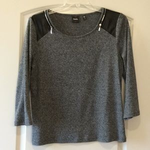 Heather gray top with zipper detail